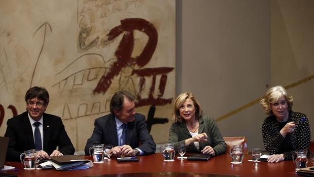 Puigdemont, Mas, Ortega y Rigau, en la reunión del gobierno autonómico del 21 de marzo