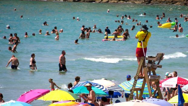 Hemeroteca: Cuatro hombres mueren en playas y piscinas de la Comunidad Valenciana | Autor del artículo: Finanzas.com
