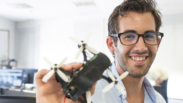 El vitoriano que quiere «cambiar el futuro de la robótica»