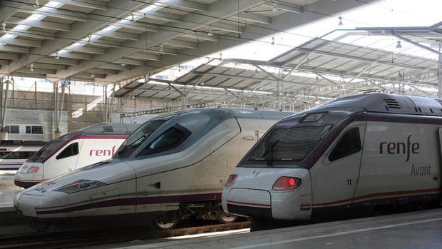 Renfe se defiende alegando que todos los trenes contaban con aire acondicionado en funcionamiento