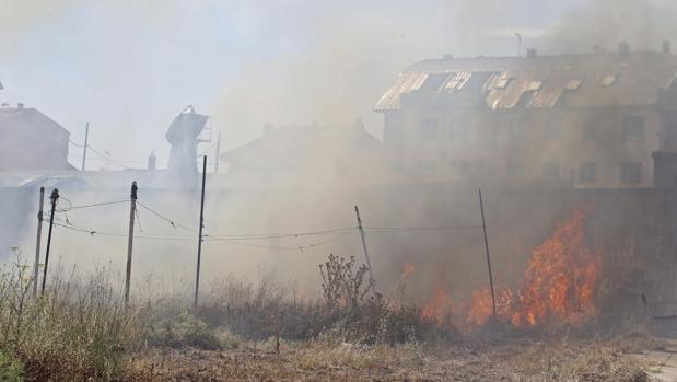 Extinción de un incendio en León
