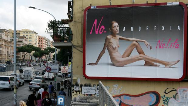 La campaña de la marca Nolita, en la que aparecía una modelo anoréxica, desató la polémica en 2007