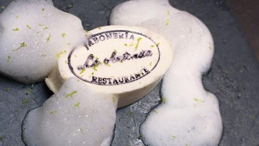 «Jabón» comestible, un postre del restaurante La Antoñita