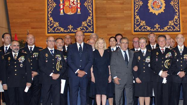 Zoido junto con los treinta nuevos Comisarios Principales de la XVIII Promoción