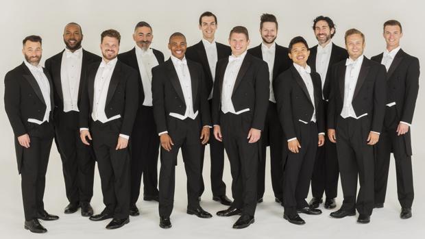 Los doce integrantes del coro estadounidense Chanticleer, grupo residente de Abulensis 2017