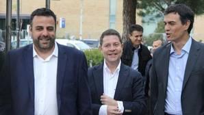 José Luis Blanco, Emiliano García-Page y Pedro Sánchez, en un encuentro en Azuqueca