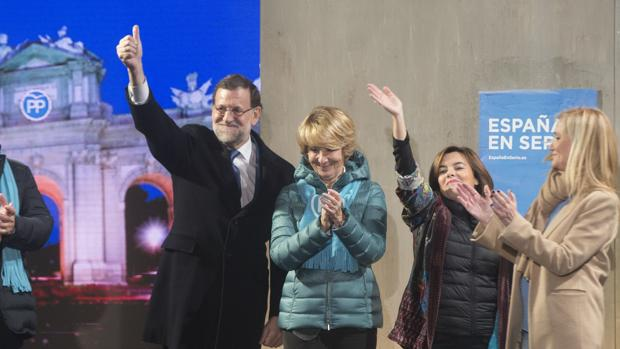 Rajoy y Aguirre, en el inicio de la campaña de 2015