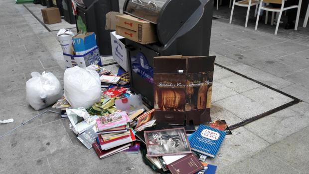 Basura en una calle de La Coruña