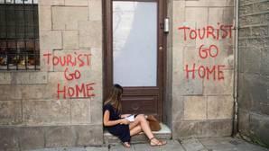 Pintada contra el turismo perpetrada por Arran