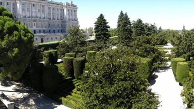 Carmena acometer una reforma integral de los jardines de for Jardines de sabatini
