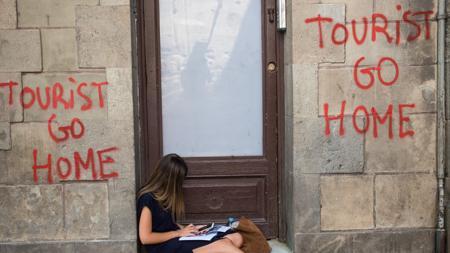 Pintadas contra los turistas perpetradas por Arran en Barcelona