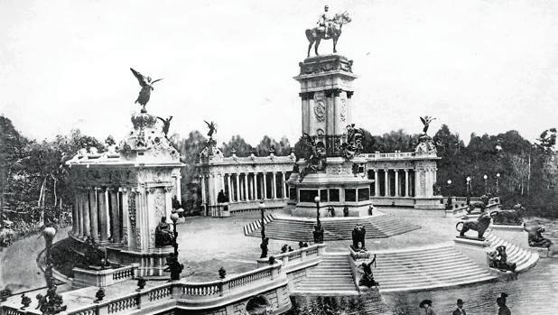 Inauguración del monumento a Alfonso XII el 3 de junio de 1922