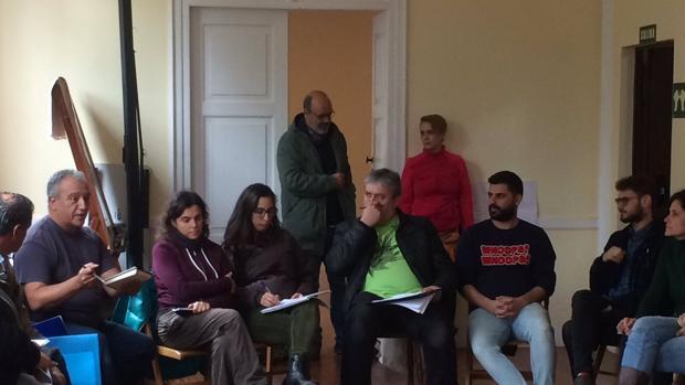 Brito entrando en una reunión Participación Ciudadana del Cabildo de Gran Canaria
