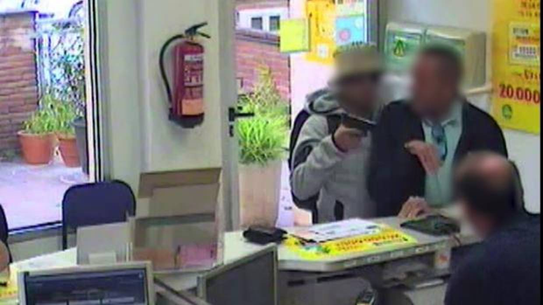 Detenida una pareja por asaltar ocho oficinas de correos for Oficina de correos toledo