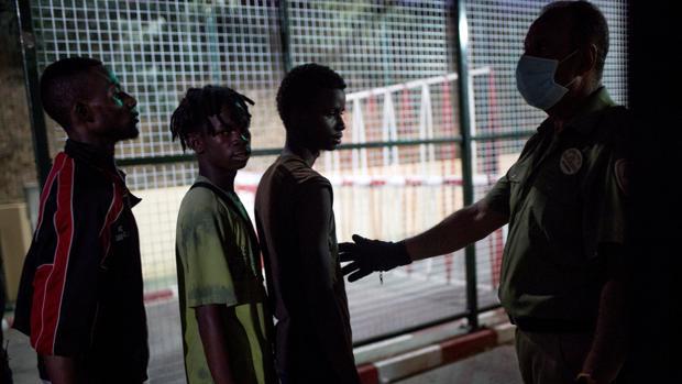 Marruecos repele un nuevo intento de entrada de unos 200 inmigrantes