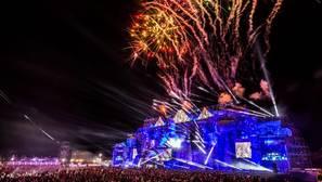 Imagen del escenario principal del Medusa Suncbeach el primer día de festival