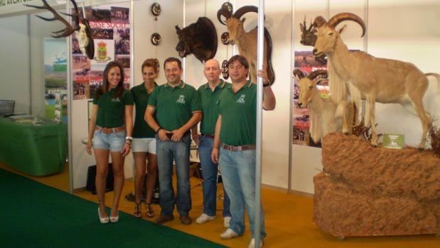 Uno de los stands de la Feria de Caza, Turismo Rural, Artesanía y Productos de la Tierra