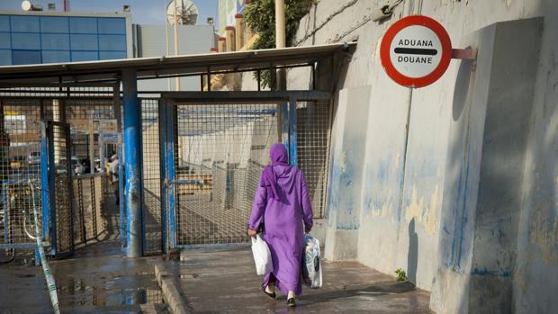 La zona del Tarajal, en Ceuta, relativamente tranquila por el cierre del paso de mercancías