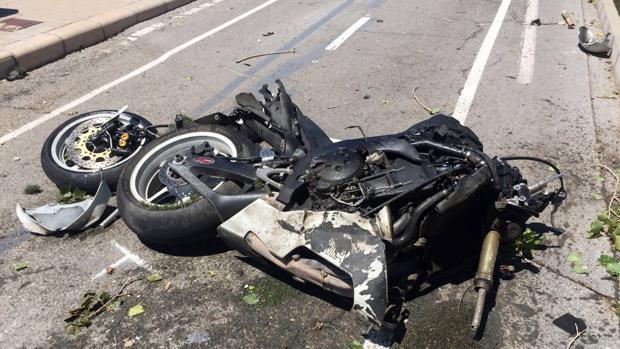 Imagen de archivo de una motocicleta tras un accidente de tráfico