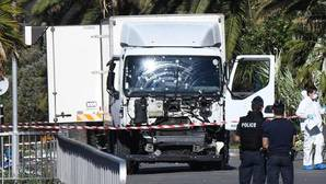 Imagen del camión utilizado en el atentado de Niza, el año pasado