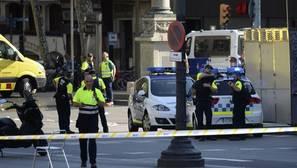 Twitter se ha vuelto a convertir en el medio de las primeras reacciones oficiales al posible atentado en Barcelona