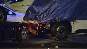 La furgoneta con la que un hombre ha embestido a una multitud en Barcelona