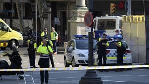 Dispositivo policial en el lugar del atentado terrorista de Barcelona