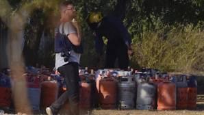 Bombonas halladas en la casa de Alcanar, considerada el centro de operaciones de la célula de los atentados