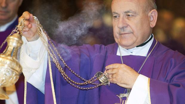 Las exequias han sido oficiadas en el zaragozano cementerio de Torrero por el arzobispo Vicente Giménez