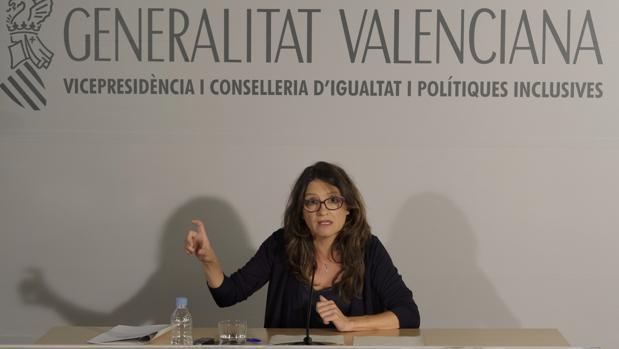 Imagen de Mónica Oltra en la rueda de prensa de este martes