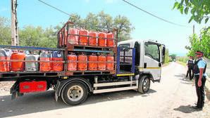 Los Mossos retiraron unas 120 bombonas de butano de la casa de Alcanar