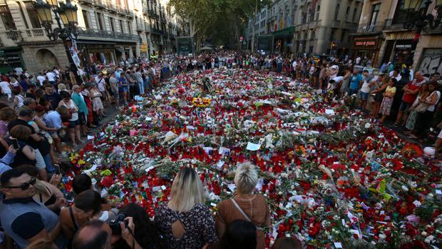 Decenas de confesiones religiosas condenan unidas el terrorismo desde barcelona - Casa del libro barcelona rambla catalunya ...