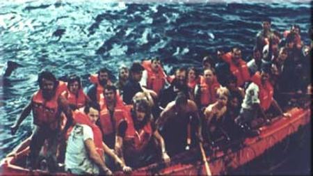 Primer grupo de pasajeros rescatados