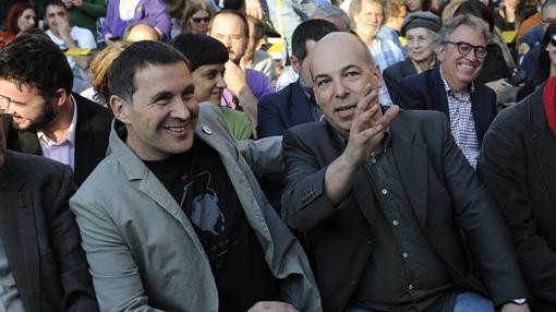 Daniel Minoves junto a Arnaldo Otegui
