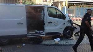 La furgoneta con la que atentaron en Barcelona
