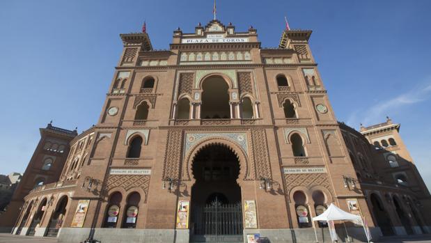 Entrada principal a la plaza de toros de Las Ventas