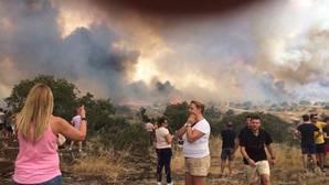 Imagen del incendio cuando aún se encontraba en nivel 2 de alerta