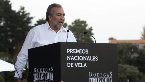 Pedro Sardina recogió ayer su segundo Premio Nacional de Vela