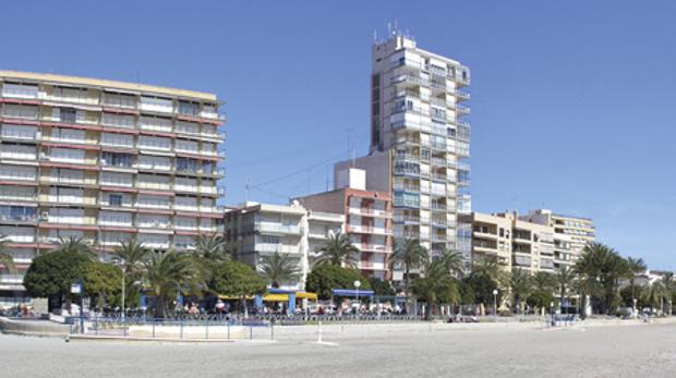 Avenida Santiago Bernabéu de Santa Pola, donde se ha producido el atropello mortal
