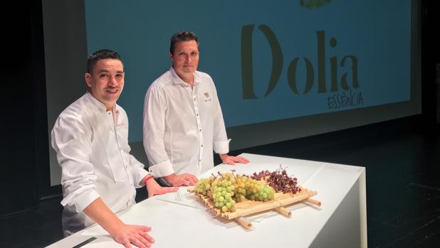Los chefs Alberto Ferruz y Kiko Moya, durante su dueto en Dolia