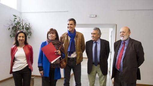 Sánchez presenta junto a su equipo su proyecto para las primarias