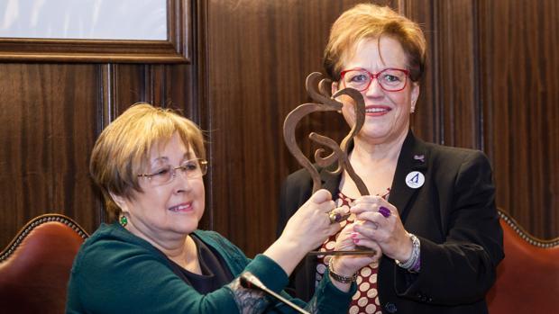 Eloísa Álvarez, a la izquierda, en un reciente homenaje