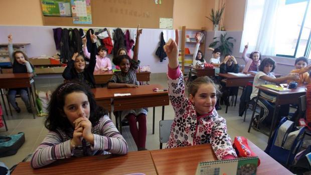 Alumnos en un centro de Santiago de Compostela