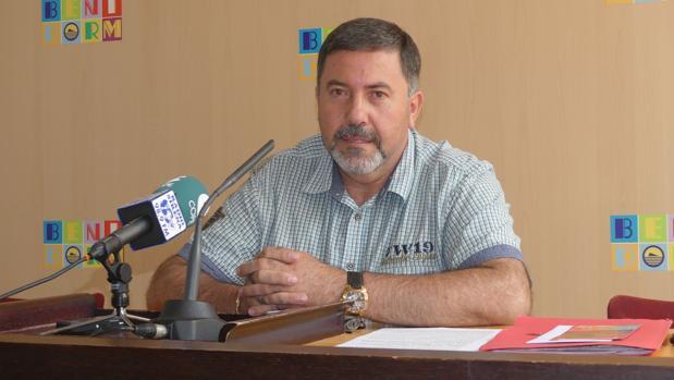 Resultado de imagen de concejal no adscrito ayuntamiento benidorm juan garcía
