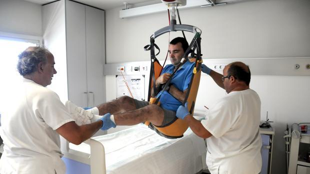 Trabajadores sanitarios del Hospital de Parapléjicos de Toledo