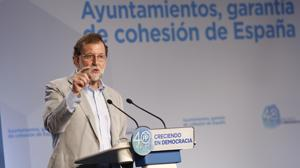 Rajoy advierte a los independentistas: «Den marcha atrás, se evitarían males mayores»