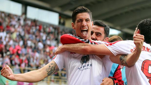 Los jugadores de la Cultural celebran uno de sus cuatro goles