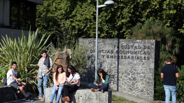 El aprendizaje de idiomas mejora las expectativas laborales de los universitarios