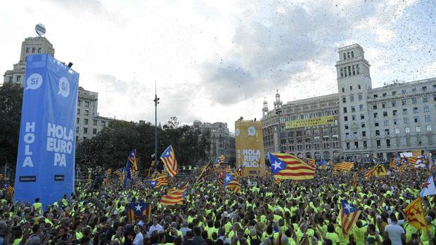 Un momento de la concentración, en plaza Cataluña