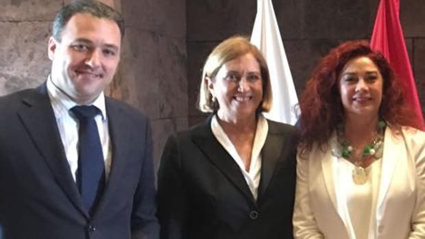 Carlos Ester, Mercedes Roldós y Beatriz Barrera